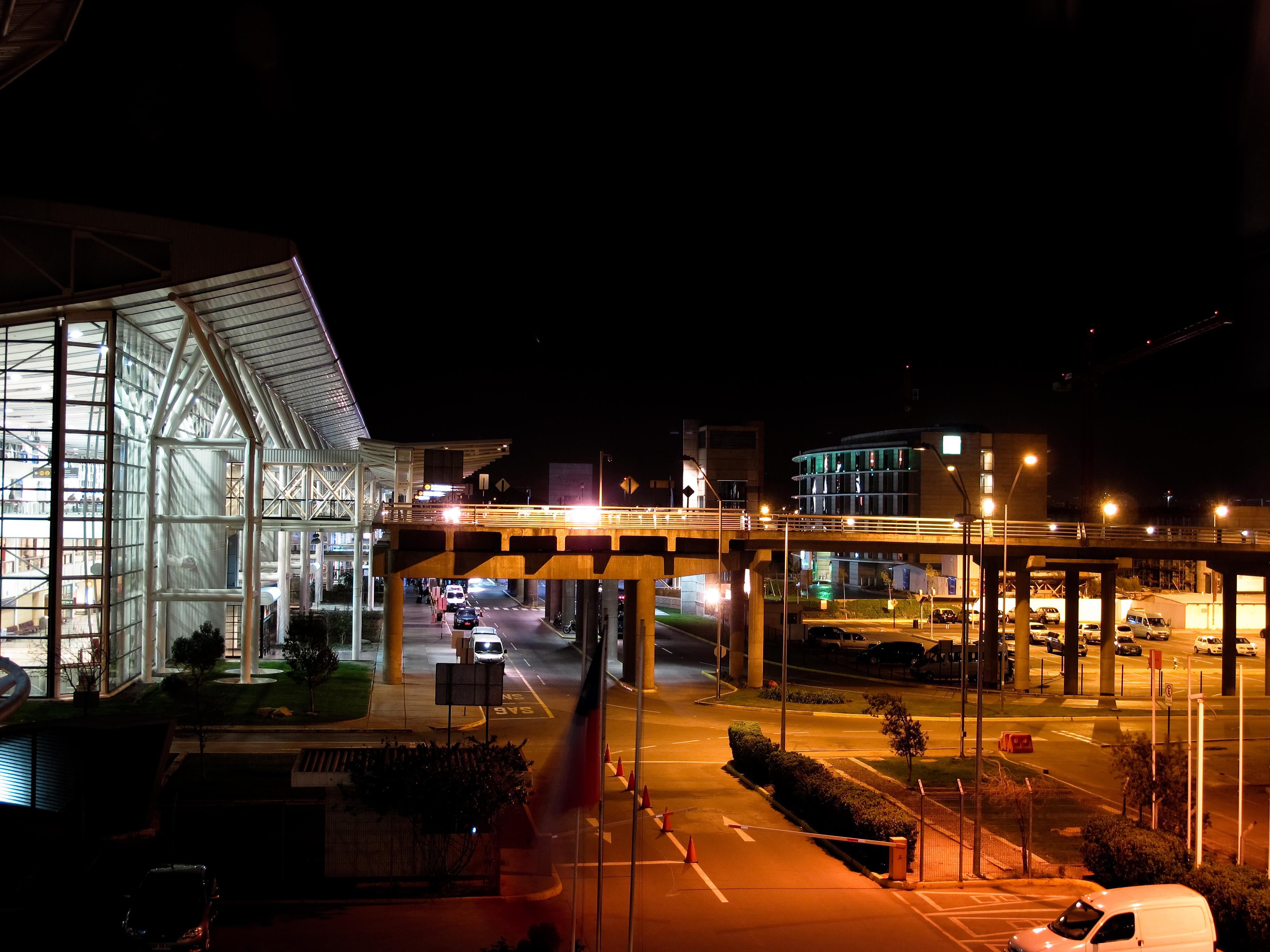 Aeropuerto de Santiago Arturo Merino Benítez