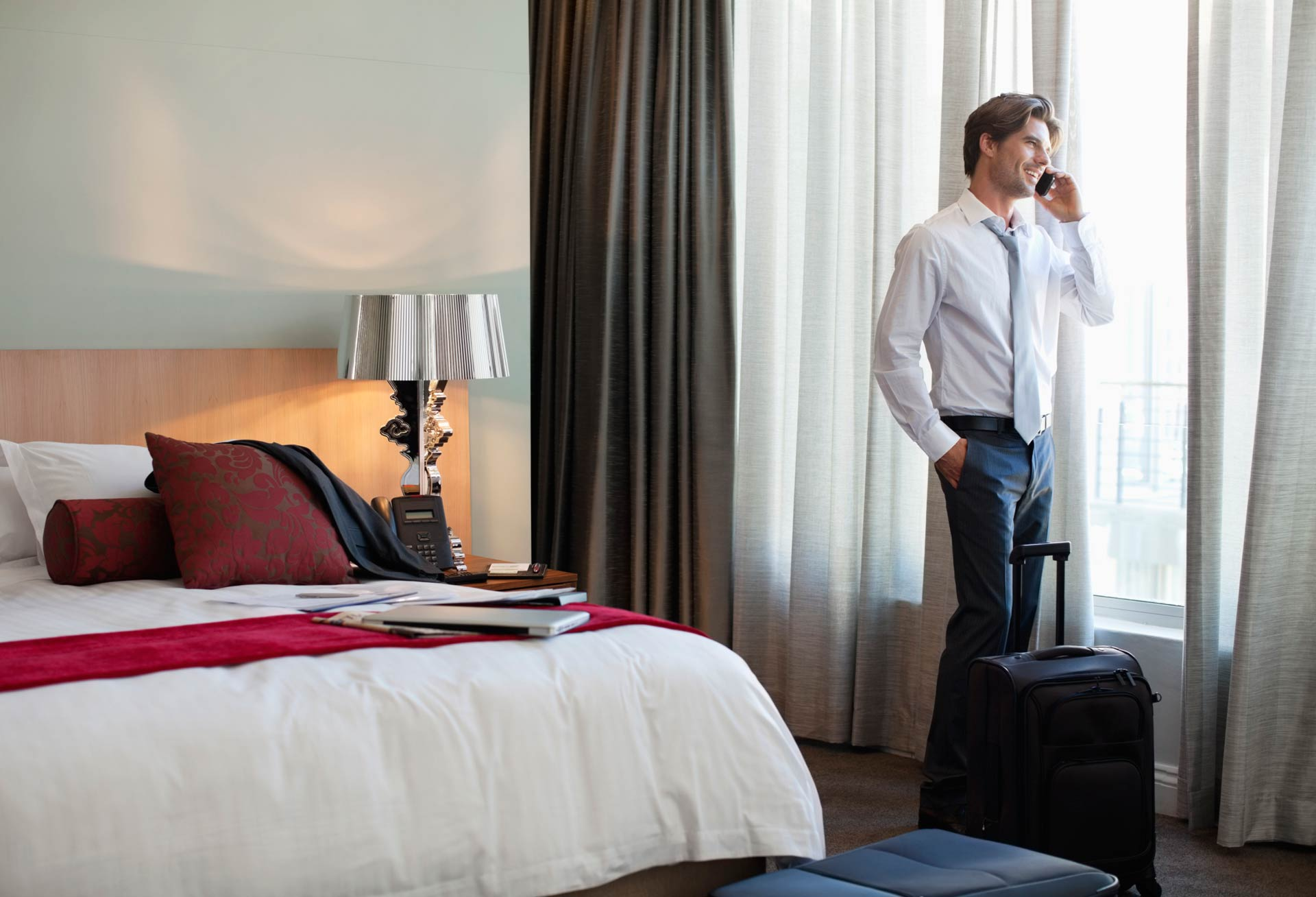 Pasajero corporativo en hotel